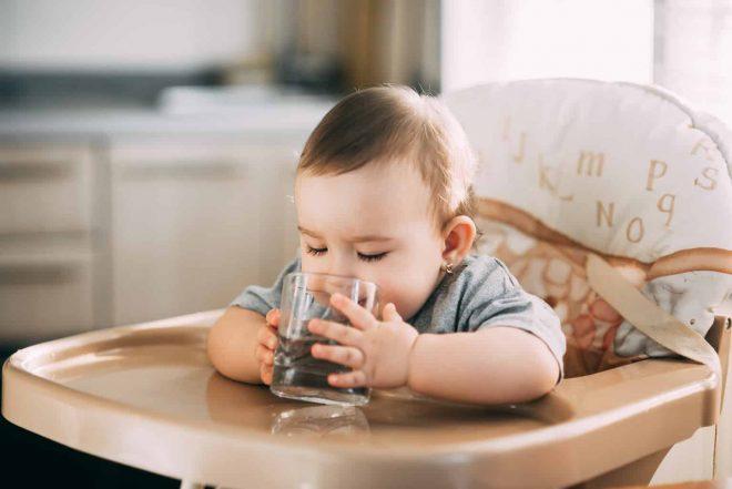 Nina Abel Flüssigkeit für gestiltes Baby Wasser Wasservergiftung Wasser gefährlich?